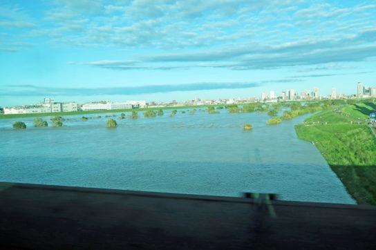 台風19号の影響で増水した荒川