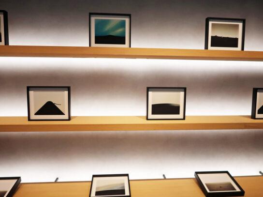 藤井氏の写真20点で織り成す特別なアート空間