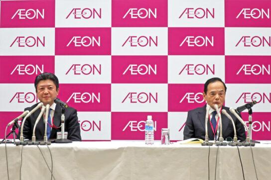 吉田次期社長(左)と岡田社長(右)