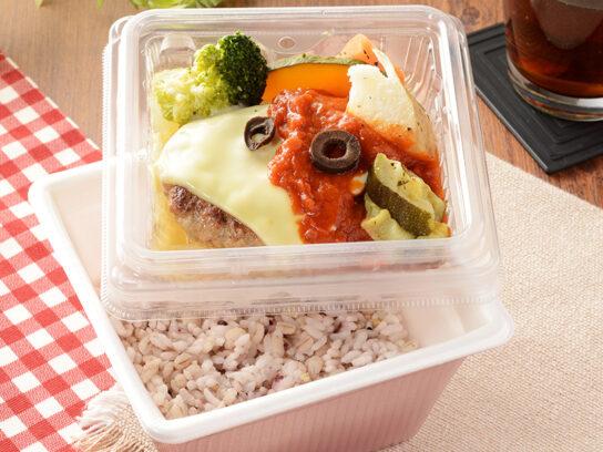 20200313lo1 544x408 - ローソン/肉・野菜・雑穀米の彩りもこだわったチルド弁当「16DELI」