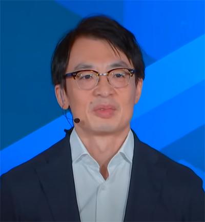 <Amazon Academyで講演するジャスパー・チャン社長