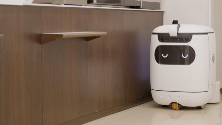 ロボットは自動で店舗の充電スポットに戻る