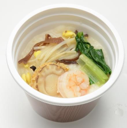 丸鶏とホタテのダシで炊いた海鮮中華粥