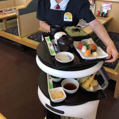 20210217ton1 - 和食処とんでん/配膳・運搬ロボット「Servi」導入でスタッフの負荷軽減