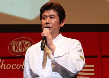 「キットカット ショコラトリー」を監修している高木康政氏