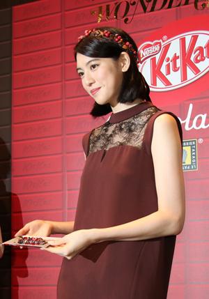 三吉彩花さんが「氷点下ショコラトリー」の作成に挑戦2