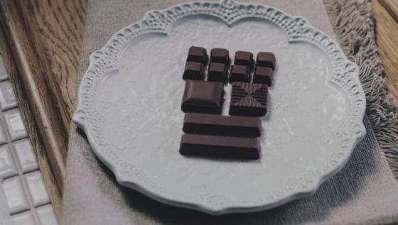 小雪さんを起用した「ザ・チョコレート」新CM2