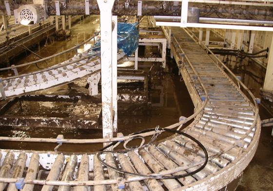復旧前の工場内