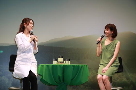 日本化粧品検定協会の小西さやか代表理事が艶肌メイクを紹介