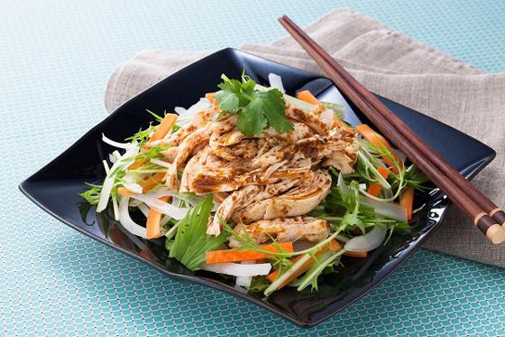 使用メニュー例 蒸し鶏と水菜のサラダ